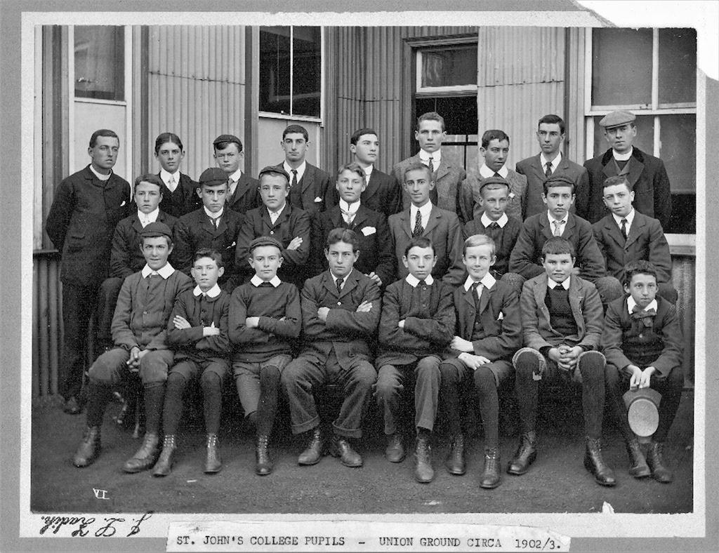 1902 4