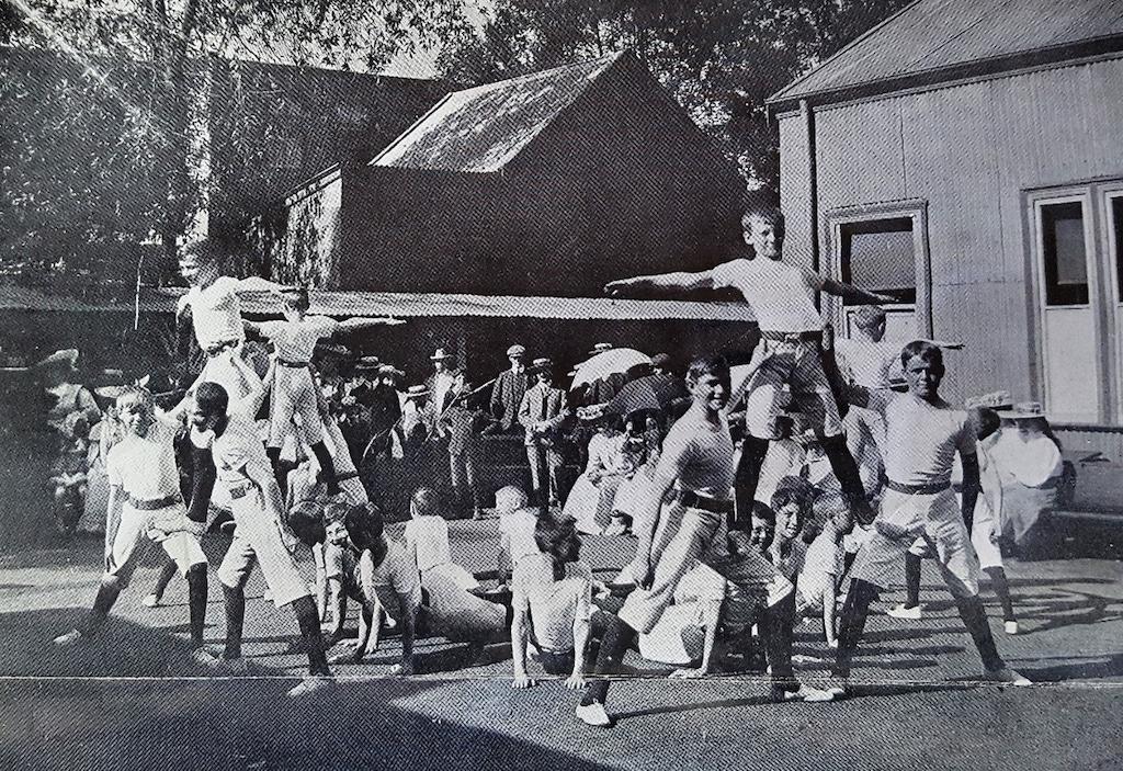 1906 5